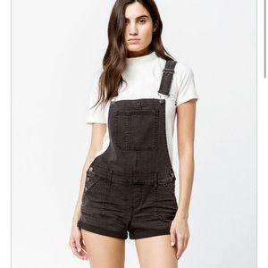 S.O.N.G. Black jean short overall